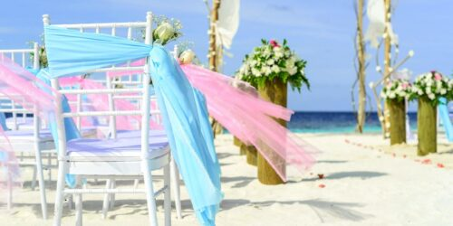 A Beach Wedding or Winter Wedding, which is a better idea?