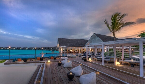 Destination wedding in the maldives four Seasons cost
