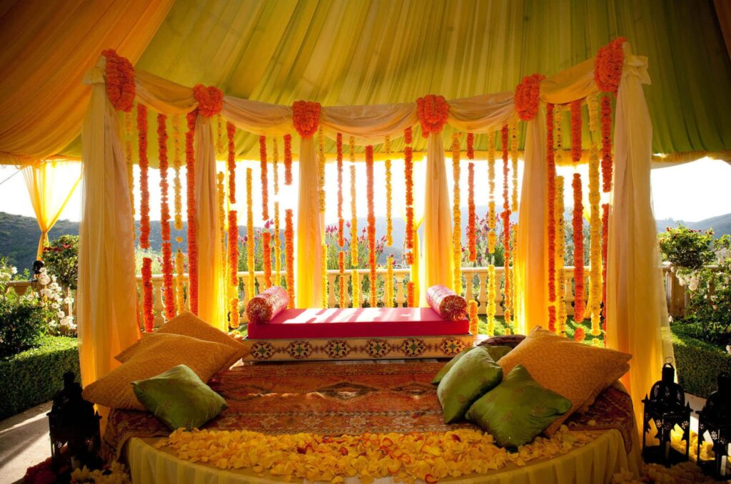 Places near Mumbai to get married.
