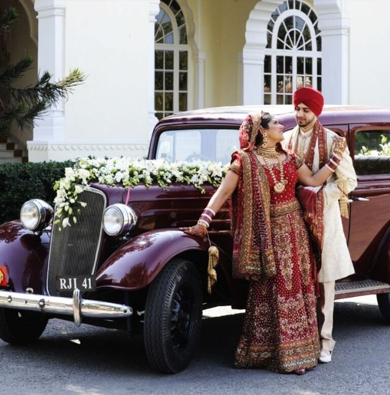 Hire vintage cars for wedding